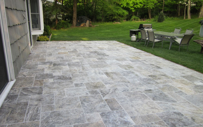 SILVER TRAVERTINE PAVING SLABS TUMBLED